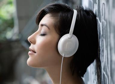 飞利浦可折叠超薄耳机