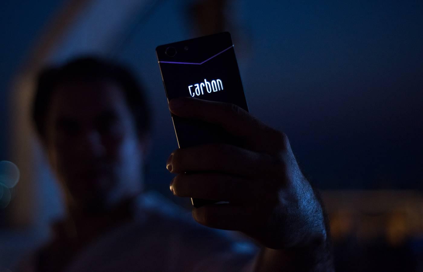 轻薄CARBON手机设计